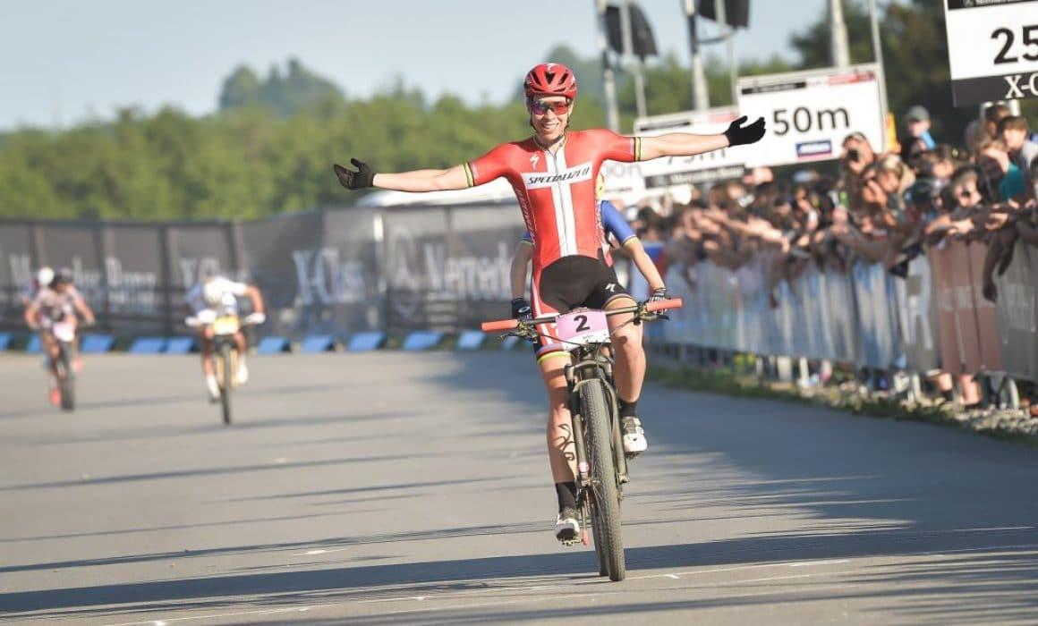 Annika Langvad en su llegada a la meta